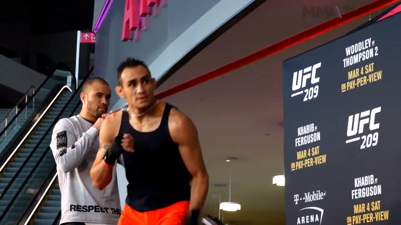 Тони Фергюсон открытая тренировка на UFC 209