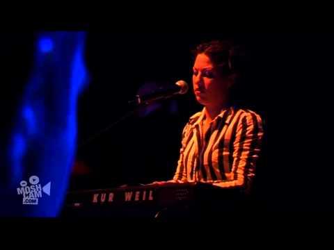 "Amanda Palmer ""The Assistant"" Live (HD, Official) | Moshcam"