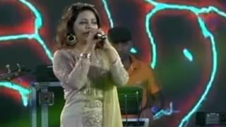 reshmi churi by kona in stage; রেশমি চুড়ি