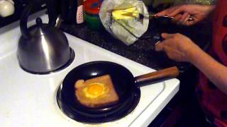 How to Make a Perfect Egg in a Basket