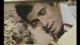 Download Video Arab - hot kissing scene MP3 3GP MP4