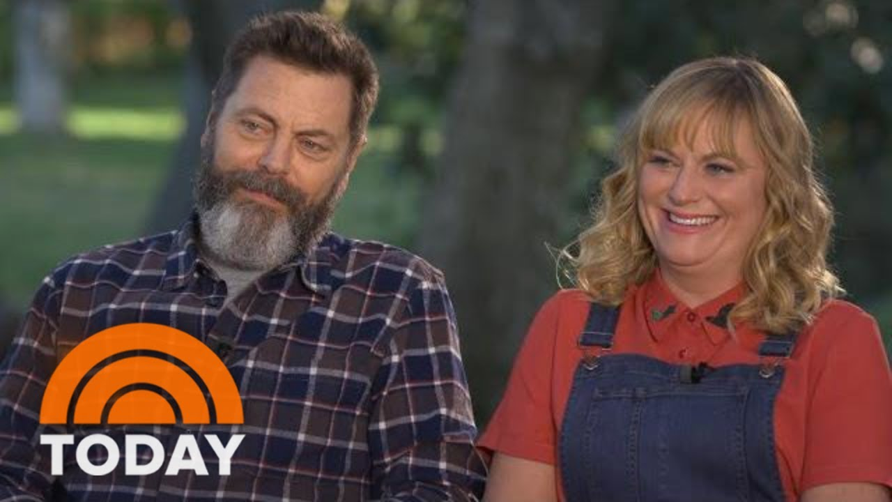 amy poehler and nick offerman talk new crafting show making it today youtube. Black Bedroom Furniture Sets. Home Design Ideas