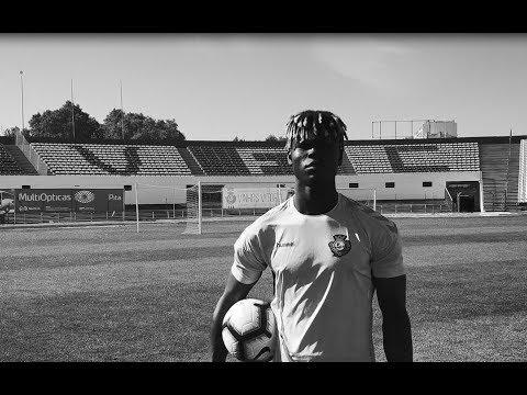Liga Revelação: Valdu Té, goleador do Vitória FC, conta a sua história