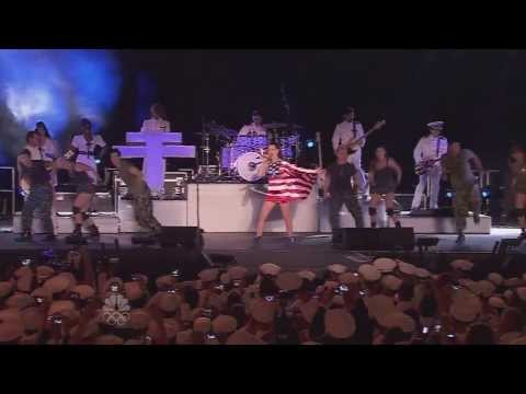 Katy Perry - Firework (Live @ Macy's 4th...