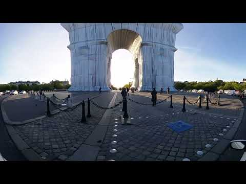 360 4K loop: Christo The Arc de Triomphe, Wrapped, Paris in the morning