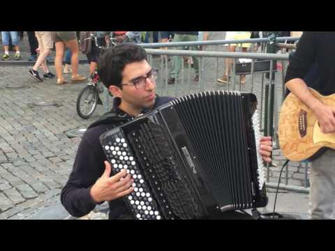Chanson française (French music) - Busking in the streets of Brussels, Belgium
