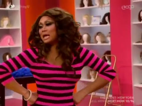 Jujubee and Mariah laughing of Shanel's outfit