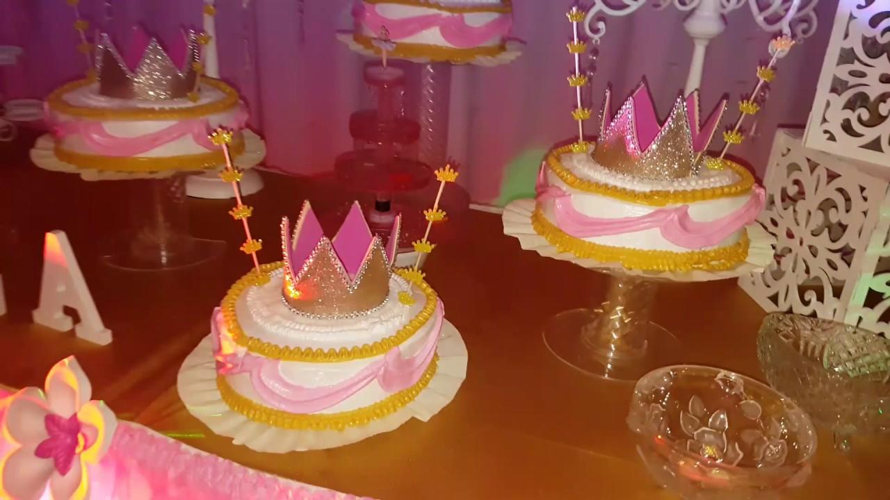 Decoracion corona reina princesa youtube for Decoracion de pared para quinceanera