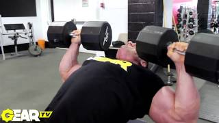 ifbb pro bodybuilder justin compton blasts chest in chicago