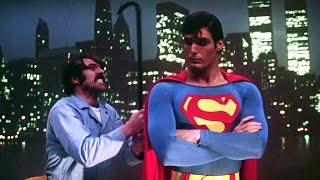 Superman catches criminals | Superman (1978)