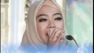 1} KH. Fauzi Arkan Terbaru bersama Artis Cantik