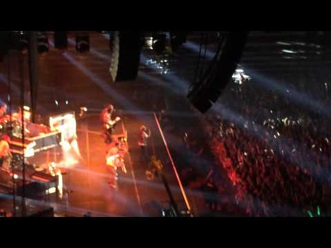 Bruno Mars: Locked Out Of Heaven (Encore) Live - Singapore, 26/03/14