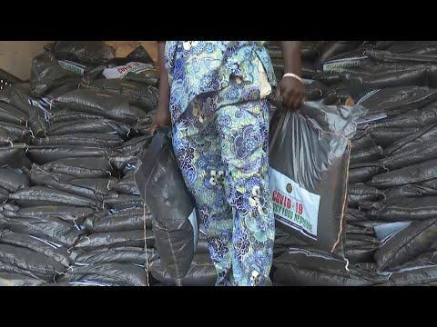 Covid-19 au Nigeria: distribution de nourriture aux ménages les plus pauvres de Lagos | AFP