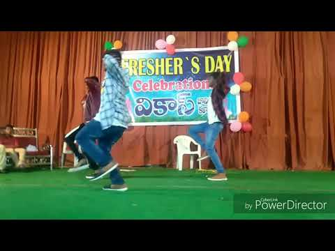 VJC students dance on freshers party