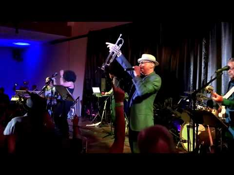 Funkin' for Jamaica - Tom Browne 2018 (Smooth Jazz Family)