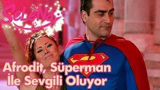 Afrodit, Süperman ile sevgili oluyor!