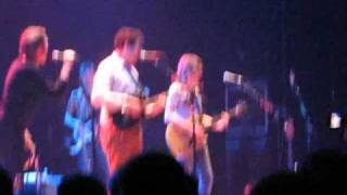 You Really Got Me - Belle & Sebastian (The Kinks cover) @ Massey Hall