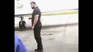 Lil Wayne skatin' in Libreville Airport