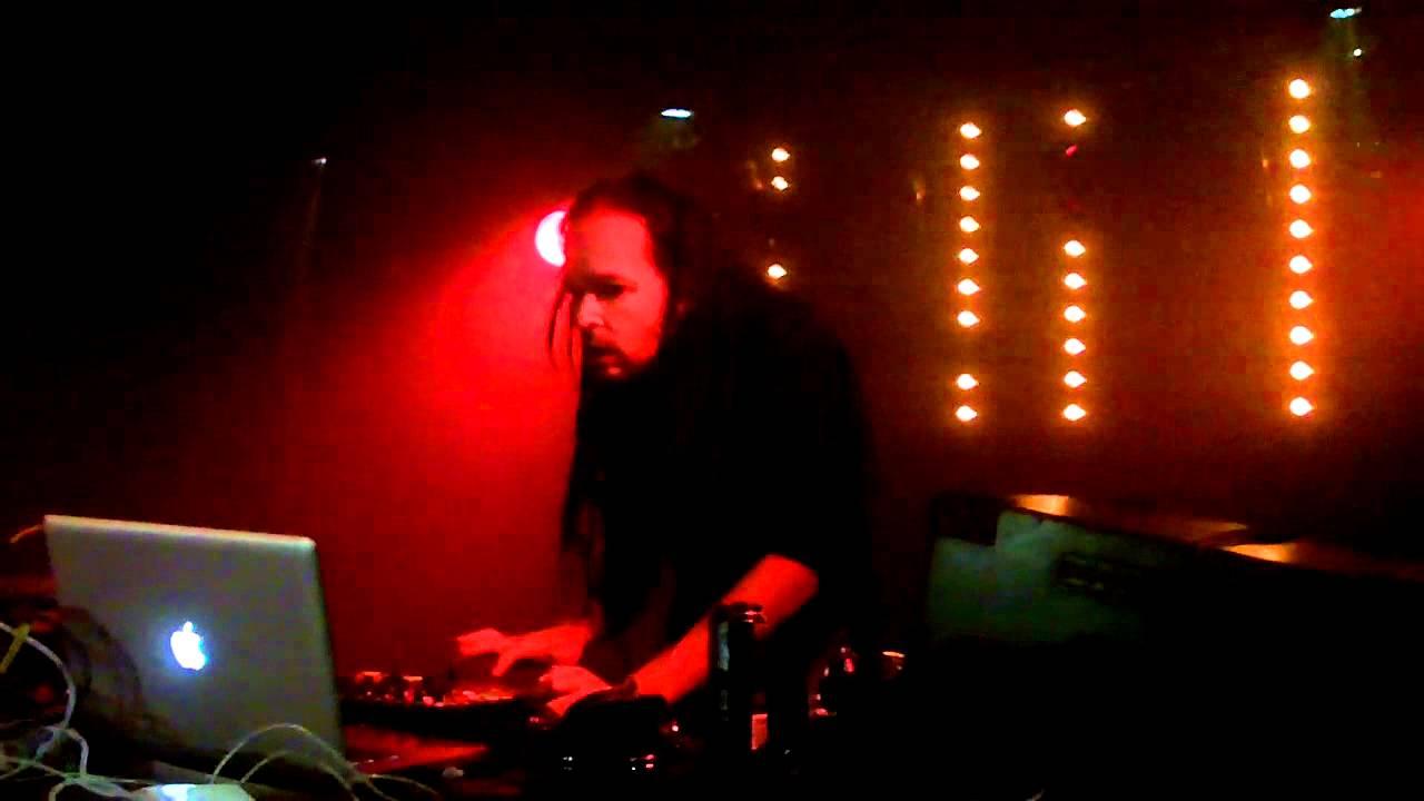 DJ J Devil (Jonathan Davis / Korn)- Simplon donderdag 22 ...  DJ J Devil (Jon...
