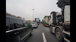 大渋滞に巻き込まれて高速道路を歩いてみた【UK-Vlog#21】
