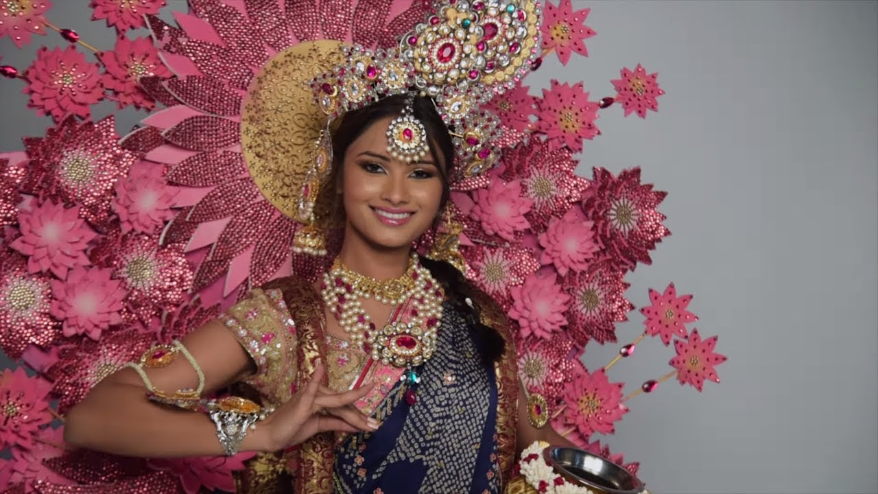 a760ee7287ac Miss Universe India 2017 Shraddha Shashidhar's National Costume For ...