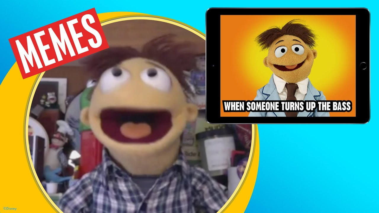 Muppets Now cast reacts to memes of themselves! | Radio Disney