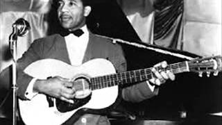 Watch Lonnie Johnson Low Land Moan video