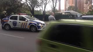 В Мариуполе автомобиль службы охраны врезался в Черри