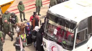 بالفيديو...الدفعة الخامسة من مسلحي الوعر تخرج وسط مراقبة روسية
