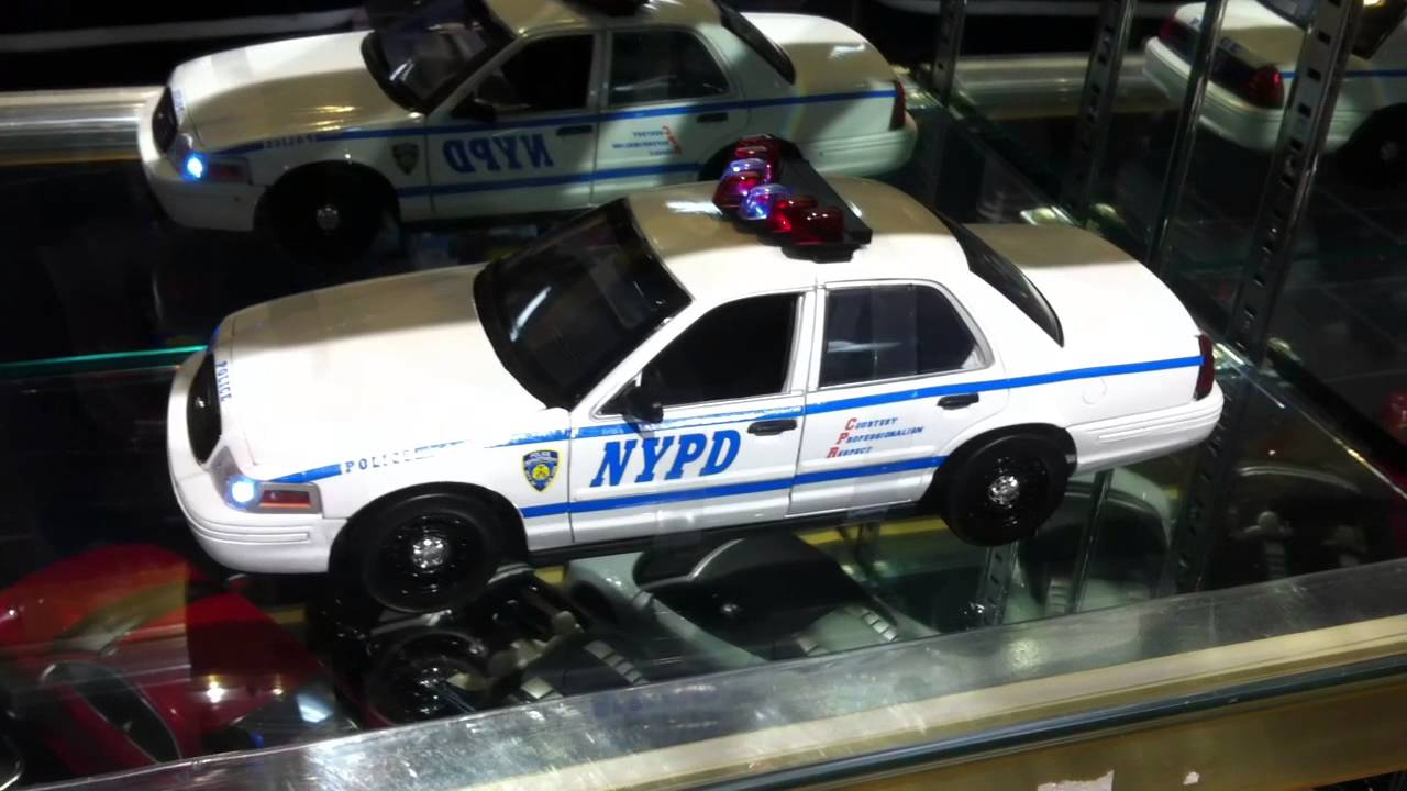 1 18 2001 ford crown victoria nypd interceptor lights and sound youtube