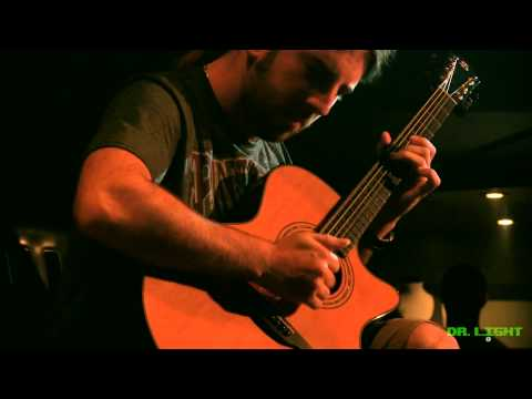 Simon Girard Acoustic Guitar - Pour un court instant [Live in Montreal]