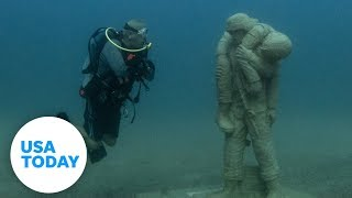Underwater memorial honors military vets | USA TODAY