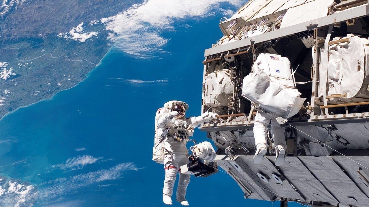 Фото пластик в космосе