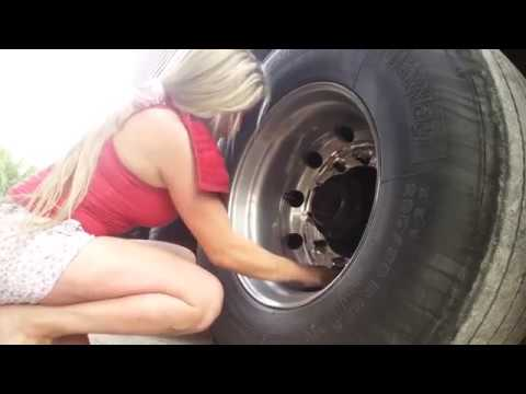 World Amazing  Modern Women Drive Truck Heavy Transport Tire Change Big Truck Off Road Mechanic