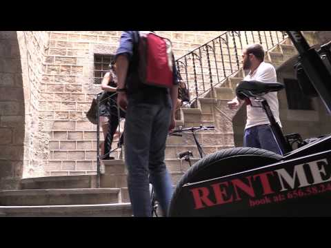 RENT ELECTRIC SCOOTER TO SEE BARCELONA