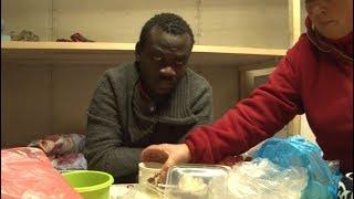 Сюжет ТСН24: Жители Заокского помогают африканцу вернуться на родину