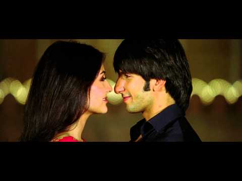 Anushka sharma kiss