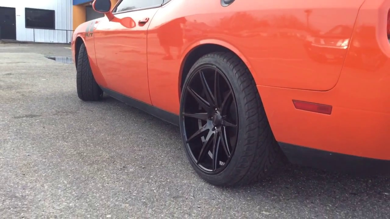 2013 Dodge Challenger Sitting On Staggered 22 Quot Rosso