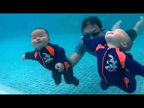 Bebelusi care Inoata sub Apa - Foarte Draguti