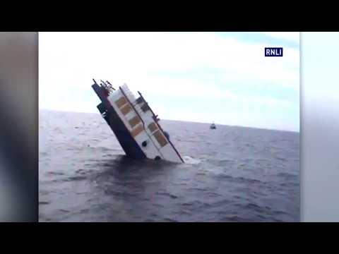Paddle steamer boat sinks in Irish sea (ON CAM)