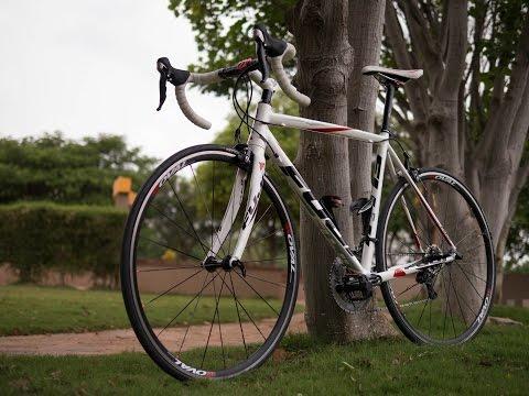 Fuji Roubaix 1.3 road bike video