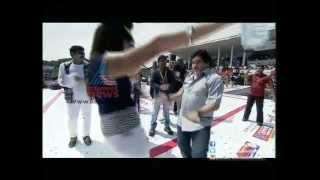 Diego Maradona dancing with Renjini Haridas