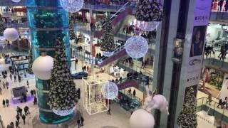 Новогоднее убранство в торговом центре