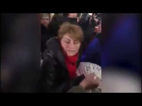 Видео где женщины унижают фото 522-834