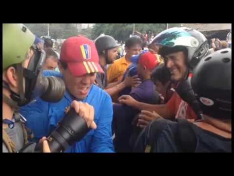 Capriles es agredido con gas pimienta en Marcha hacia el CNE