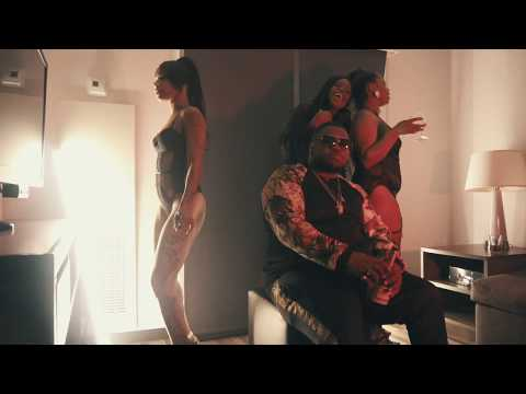 Bag Money Moe - Money On The Floor (Music Video) || Dir. WhoIsGFX [Thizzler.com]