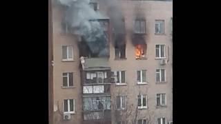 Женщина упала из окна при пожаре в Москве