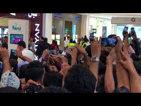 Shahrukh Khan & Amitabh Bachchan in Muscat, Oman [Kalyan Jewellery Opening]