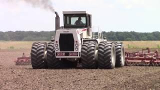 525 hp Big Bud 525/50 4wd Tractor