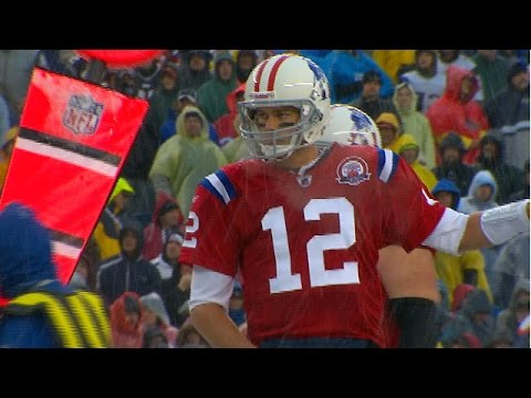 Tom Brady sets NFL record with 5 TD passes in ONE QUARTER vs. Titans in 2009